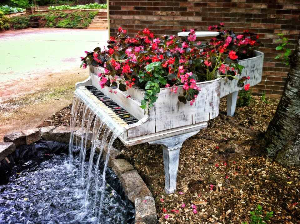 Home Decor Idea U2013 Old Piano Transformed Into A Fountain