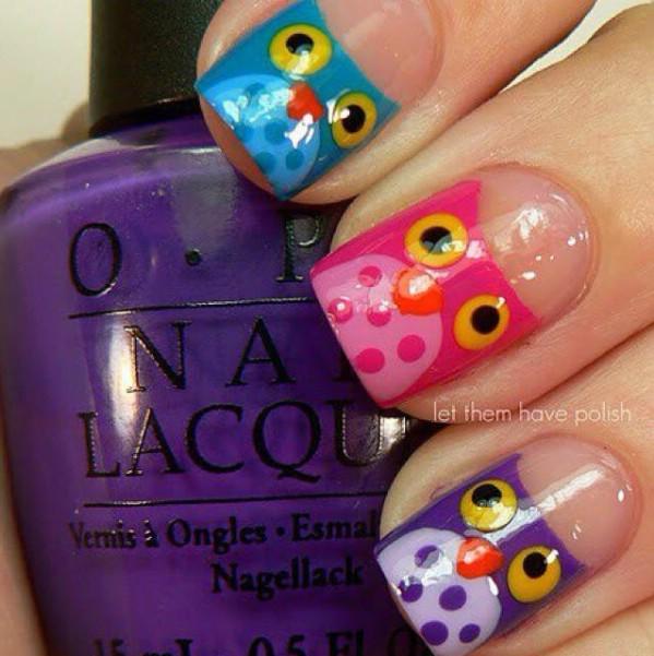 Polka dots nail art example and tutorial
