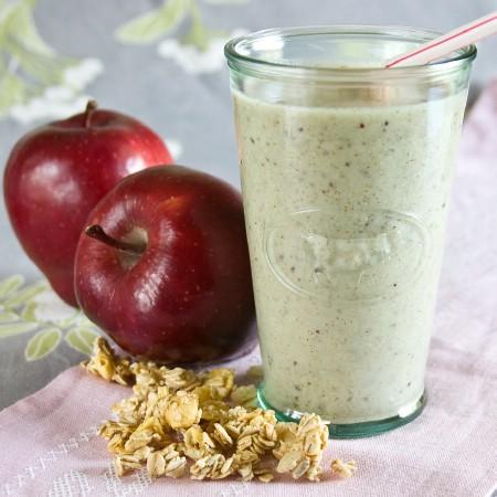 Apple pecan pie smoothie