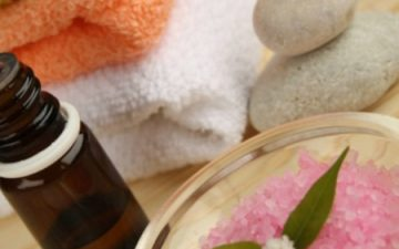 Natural benefits of tea tree oil