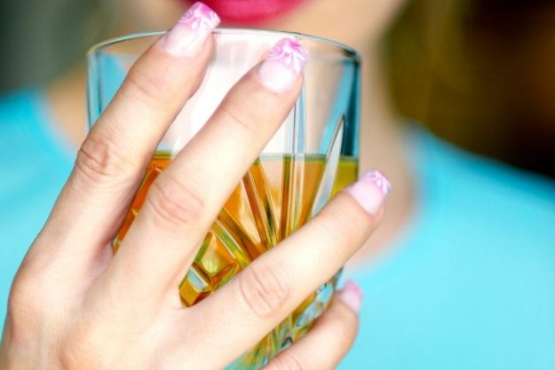 How to Strengthen Nails at Home